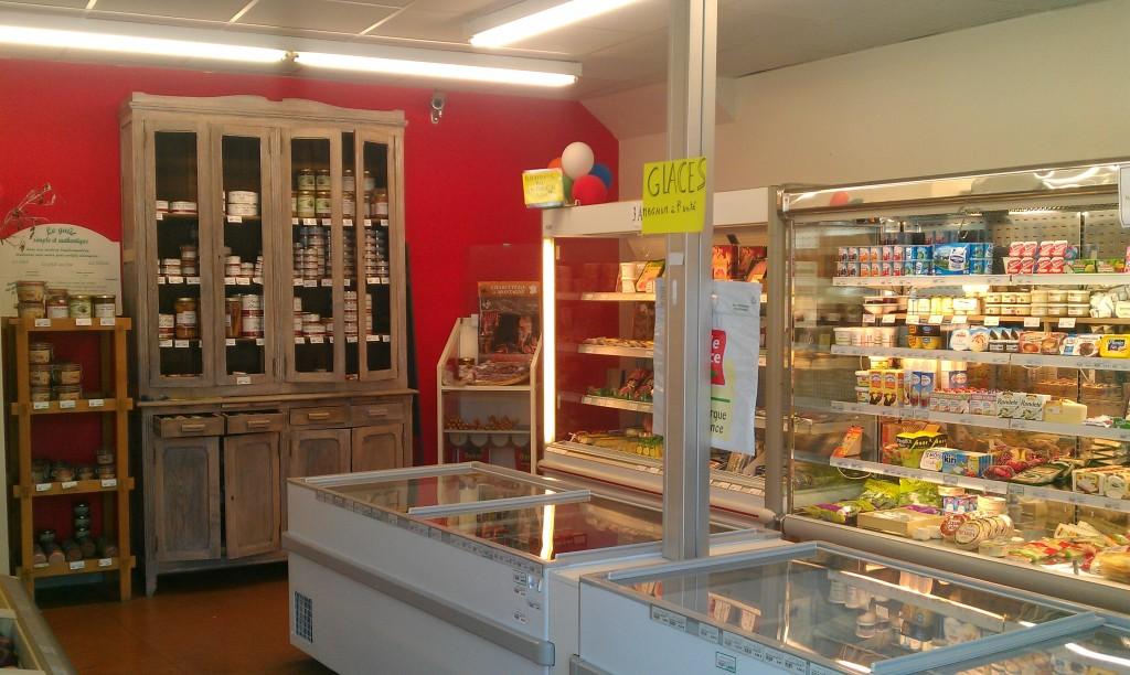 Intérieur de l'épicerie